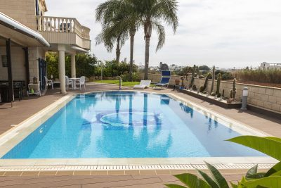 OVERFLOW CERAMIC POOL – AYIA NAPA